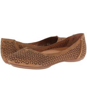 Olukai • leather perforated pueo flats 7.5